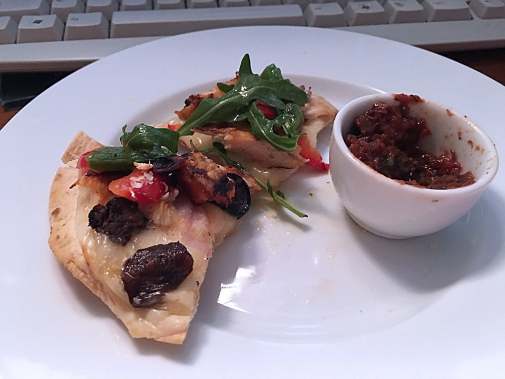 chicken-veggie-arugula-pizza-after_3817.thumb.JPG.fe55b89b8bcdbdaca8a0d24efd2824f2.JPG