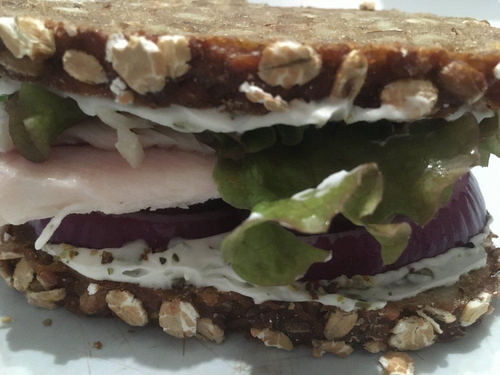 sandwich.thumb.jpg.ad167e8f904dbf35e8a0ef35099a07c4.jpg